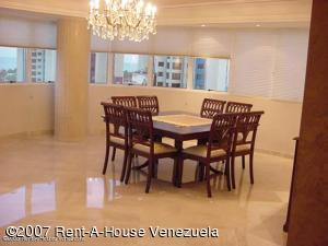 Apartamento En Ventaen Maracaibo, Avenida El Milagro, Venezuela, VE RAH: 18-7624