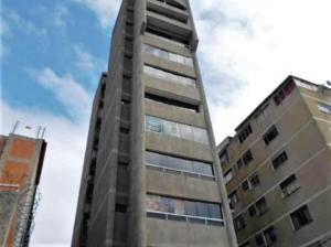 Oficina En Ventaen Caracas, Los Rosales, Venezuela, VE RAH: 18-7638