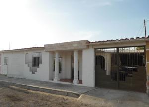 Casa En Ventaen Maracay, Palma Real, Venezuela, VE RAH: 18-7655