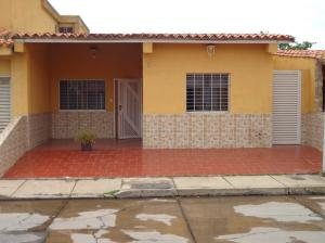 Casa En Ventaen Municipio San Diego, Villas Laguna Club, Venezuela, VE RAH: 18-7702