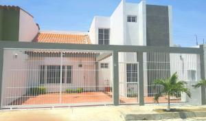Casa En Ventaen Punto Fijo, Las Virtudes, Venezuela, VE RAH: 18-7679