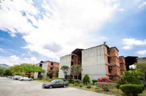 Apartamento En Ventaen Guarenas, Nueva Casarapa, Venezuela, VE RAH: 18-7706