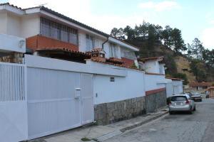 Casa En Ventaen Caracas, Alto Prado, Venezuela, VE RAH: 18-7773