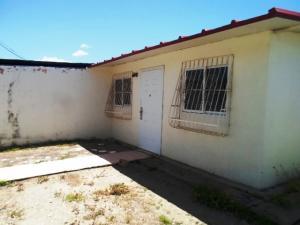 Casa En Ventaen Margarita, San Antonio, Venezuela, VE RAH: 18-7771