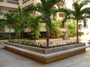Apartamento En Ventaen Maracaibo, El Milagro, Venezuela, VE RAH: 18-7748