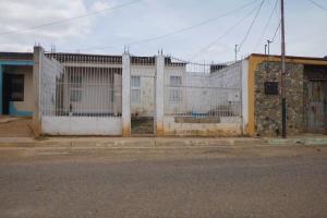 Casa En Ventaen Carora, Municipio Torres, Venezuela, VE RAH: 18-7808