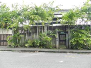 Casa En Ventaen Caracas, Los Palos Grandes, Venezuela, VE RAH: 18-7833