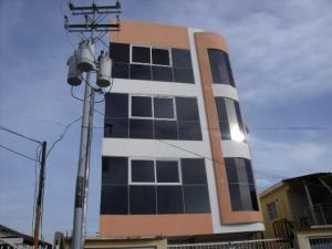 Apartamento En Alquileren Ciudad Ojeda, Avenida Bolivar, Venezuela, VE RAH: 18-7888