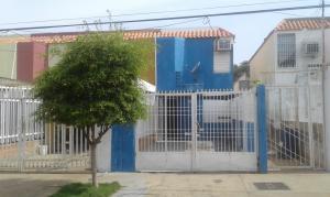 Townhouse En Ventaen Maracaibo, Lago Azul, Venezuela, VE RAH: 18-7889