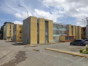 Apartamento En Ventaen Cabudare, La Mora, Venezuela, VE RAH: 18-8025