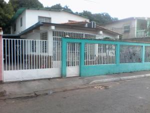 Casa En Ventaen Maracay, La Coromoto, Venezuela, VE RAH: 18-8048
