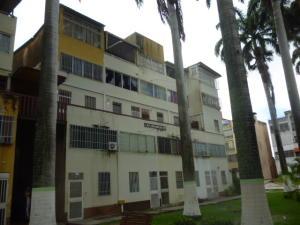 Apartamento En Ventaen Cabudare, Almarriera, Venezuela, VE RAH: 18-8072