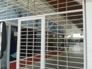 Local Comercial En Ventaen Palo Negro, Los Naranjos, Venezuela, VE RAH: 18-8208