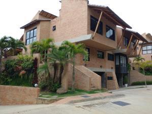 Casa En Ventaen Caracas, Alto Hatillo, Venezuela, VE RAH: 18-8510