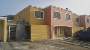 Casa En Ventaen Guatire, Guatire, Venezuela, VE RAH: 18-8125