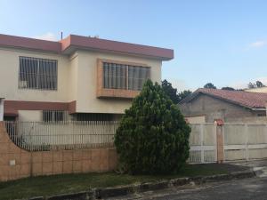 Casa En Ventaen Los Teques, Los Picachos, Venezuela, VE RAH: 18-8156