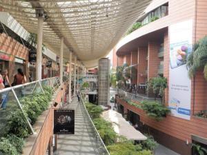 Local Comercial En Alquileren Caracas, La Castellana, Venezuela, VE RAH: 18-8343