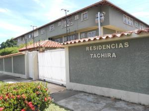 Apartamento En Ventaen Ciudad Bolivar, Sector Avenida Tachira, Venezuela, VE RAH: 18-8198