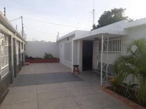 Casa En Alquileren Maracaibo, La Floresta, Venezuela, VE RAH: 18-8252