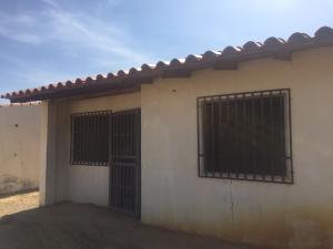 Casa En Ventaen Punto Fijo, Puerta Maraven, Venezuela, VE RAH: 18-8297