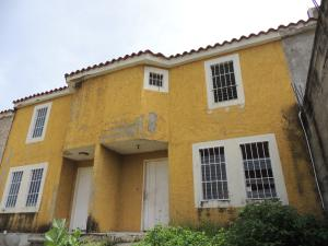 Townhouse En Ventaen Cua, Villa Falcon, Venezuela, VE RAH: 18-8364