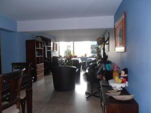 Apartamento En Ventaen Maracay, Avenida Constitucion, Venezuela, VE RAH: 18-8409
