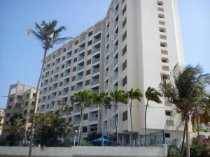 Apartamento En Ventaen Parroquia Caraballeda, Caribe, Venezuela, VE RAH: 18-8385