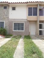 Casa En Ventaen Cua, Las Mesetas, Venezuela, VE RAH: 18-8406