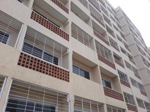 Apartamento En Ventaen Maracaibo, Avenida El Milagro, Venezuela, VE RAH: 18-8410
