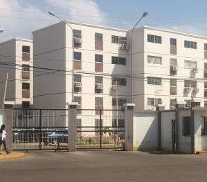 Apartamento En Ventaen Puerto La Cruz, El Paraiso, Venezuela, VE RAH: 18-8593