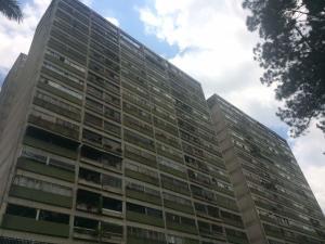 Apartamento En Ventaen San Antonio De Los Altos, Las Salias, Venezuela, VE RAH: 18-8542