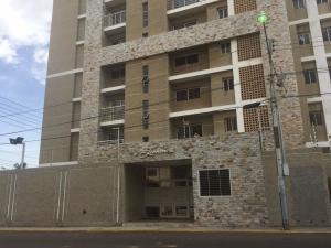 Apartamento En Ventaen Maracaibo, Valle Frio, Venezuela, VE RAH: 18-8472