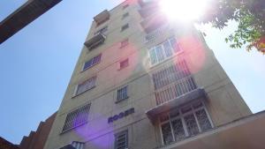 Apartamento En Ventaen Caracas, Los Dos Caminos, Venezuela, VE RAH: 18-8474