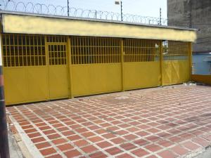 Local Comercial En Ventaen Maracay, Avenida Constitucion, Venezuela, VE RAH: 18-8476