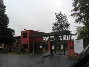 Apartamento En Ventaen San Antonio De Los Altos, La Rosaleda, Venezuela, VE RAH: 18-8504