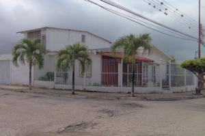 Casa En Ventaen Yaritagua, Municipio Peña, Venezuela, VE RAH: 18-8546