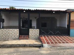 Casa En Ventaen Maracay, San Ignacio, Venezuela, VE RAH: 18-8569