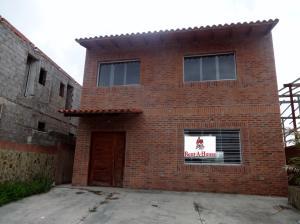 Townhouse En Ventaen Caracas, Bosques De La Lagunita, Venezuela, VE RAH: 18-8577