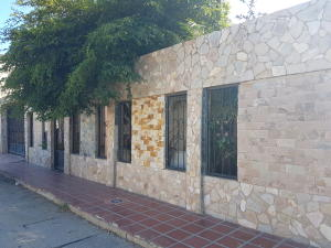 Casa En Alquileren Cabimas, Concordia, Venezuela, VE RAH: 18-8599