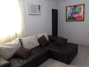 Casa En Ventaen Santa Rita, Via Principal, Venezuela, VE RAH: 18-8619