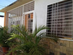 Casa En Ventaen Maracay, San Jose, Venezuela, VE RAH: 18-8690