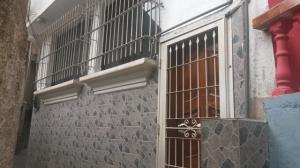 Casa En Ventaen Catia La Mar, Marapa Marina, Venezuela, VE RAH: 18-8632