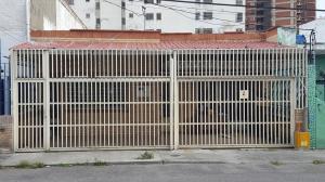 Local Comercial En Alquileren Caracas, El Recreo, Venezuela, VE RAH: 18-8665