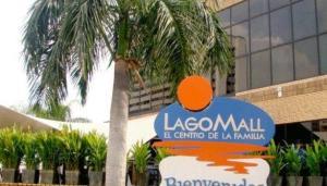 Local Comercial En Alquileren Maracaibo, Avenida El Milagro, Venezuela, VE RAH: 18-8673