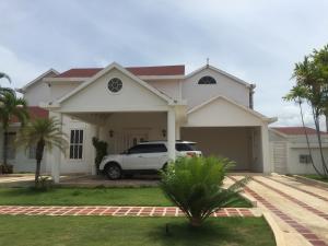 Casa En Ventaen Puerto La Cruz, Complejo Turistico El Morro, Venezuela, VE RAH: 18-8692