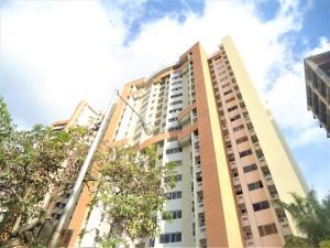 Apartamento En Ventaen Valencia, Las Chimeneas, Venezuela, VE RAH: 18-8707