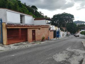 Casa En Ventaen Caracas, Santa Ines, Venezuela, VE RAH: 18-8845