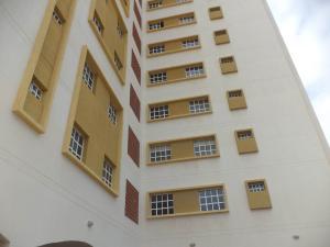 Apartamento En Alquileren Maracaibo, Avenida Goajira, Venezuela, VE RAH: 18-8713
