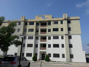Apartamento En Ventaen Municipio Los Guayos, Paraparal, Venezuela, VE RAH: 18-8714