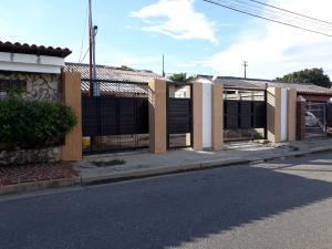 Casa En Ventaen Cabimas, Miraflores, Venezuela, VE RAH: 18-8728